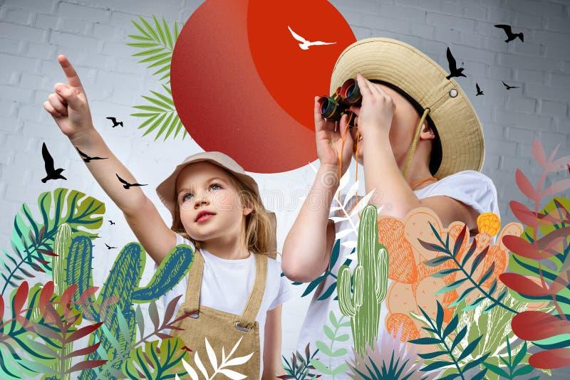 niños en trajes y sombreros del safari que señalan y que miran en prismáticos los pájaros stock de ilustración