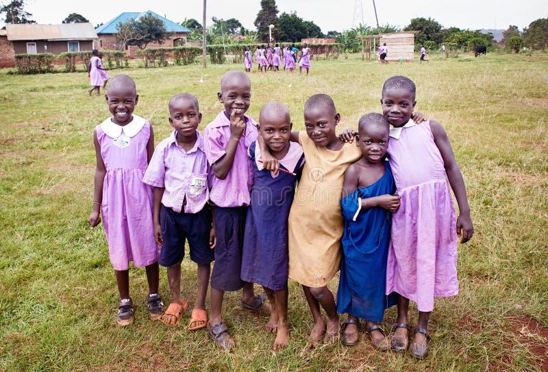 Niños en una escuela en Uganda fotografía de archivo libre de regalías