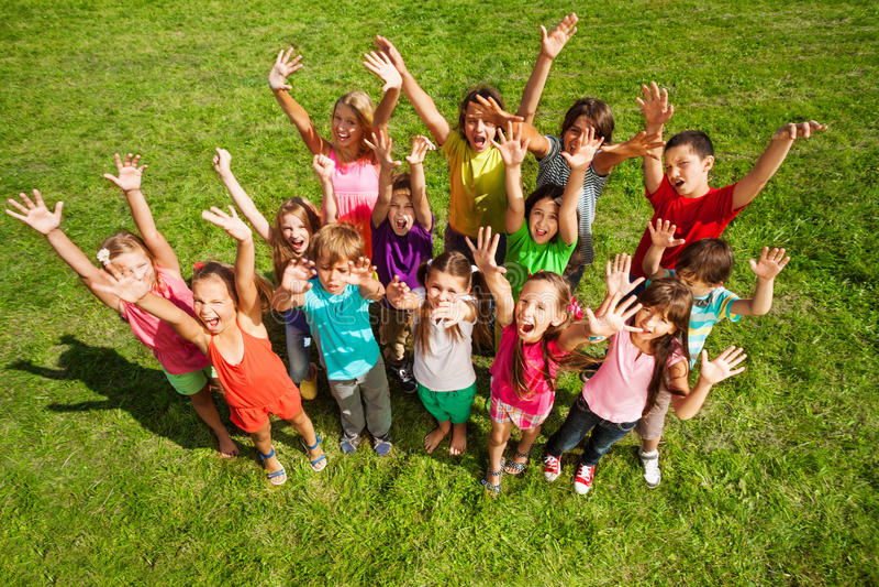 14 niños felices imágenes de archivo libres de regalías