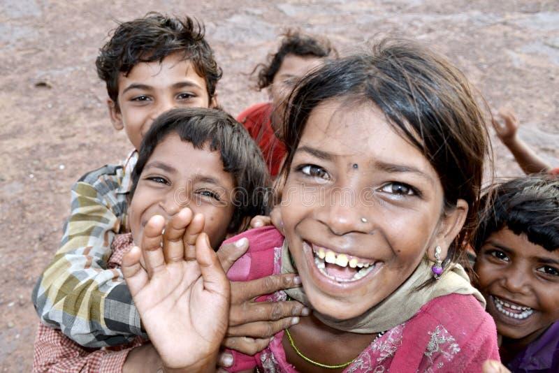 Resultado de imagen para niños indios felices