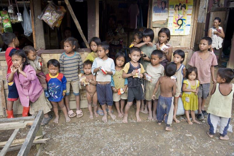 Download Niños Laosianos Pobres Del Hmong Imagen editorial - Imagen de laosiano, asia: 7275670
