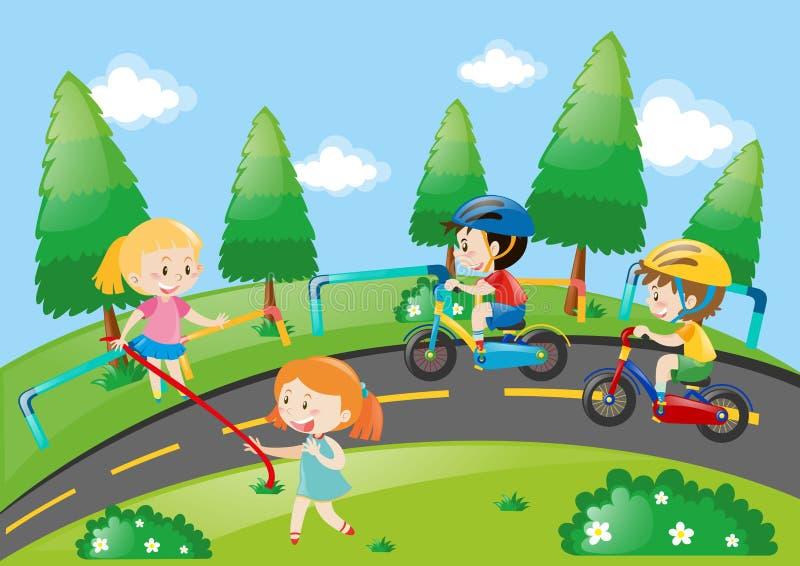 Niños que compiten con la bici en el parque libre illustration