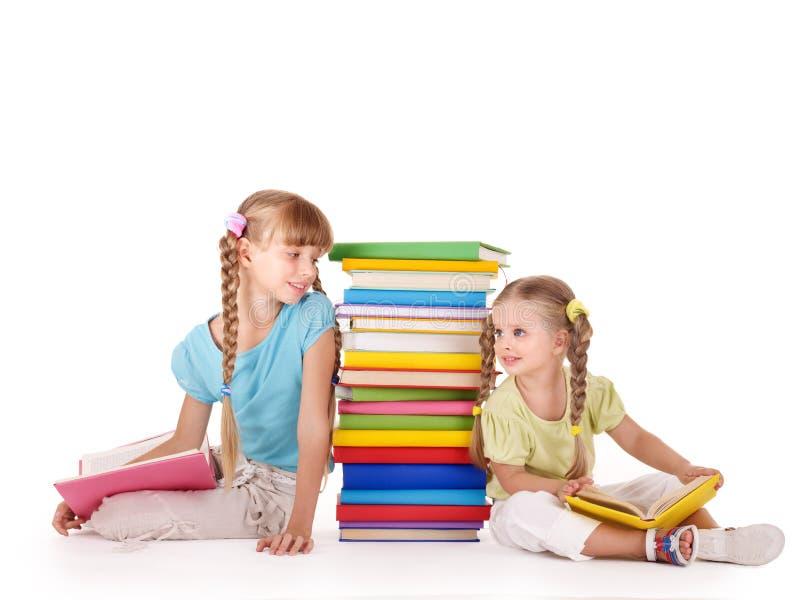 Niños que miran uno a. imagen de archivo libre de regalías