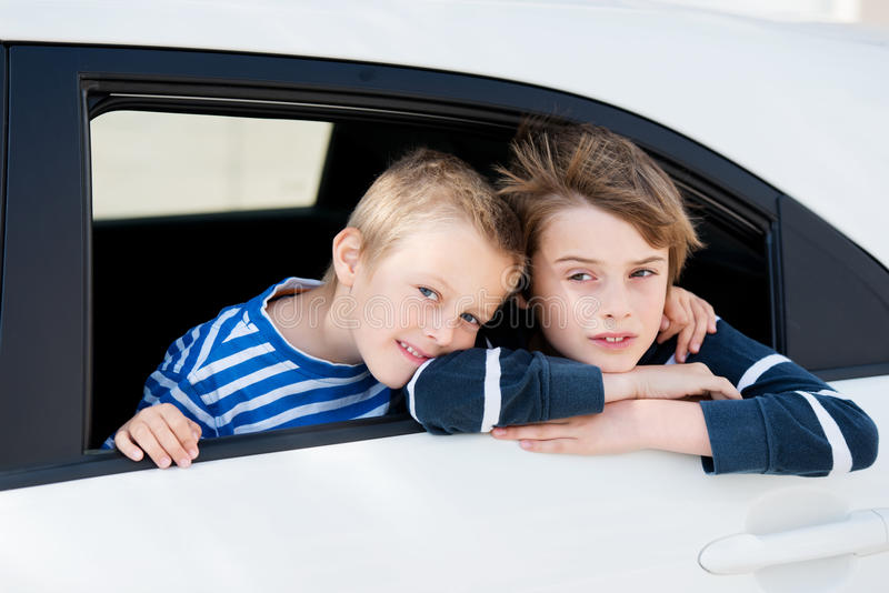 Niños que viajan foto de archivo libre de regalías