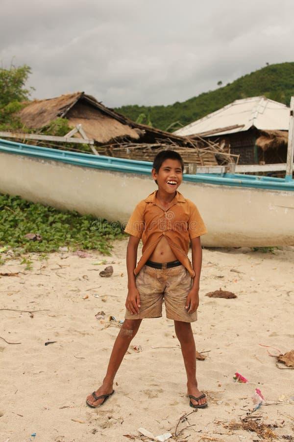 Niños sin hogar asiáticos de la pobreza imagen de archivo