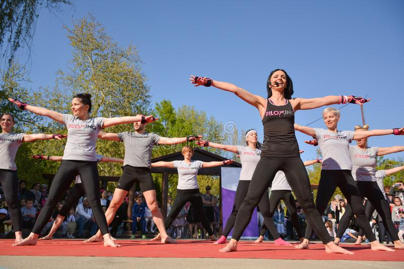 Piloxing Sport Training Group Of People On Sunny Spring Day Outdoor With Happy Instructor Editorial Photo Image Of Hand Gathering 146498501