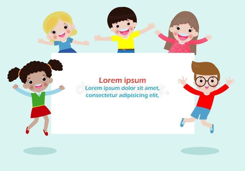 Ni?os felices que sostienen el cartel en blanco de las muestras Modelo para el folleto de publicidad Aliste para su mensaje Espac libre illustration