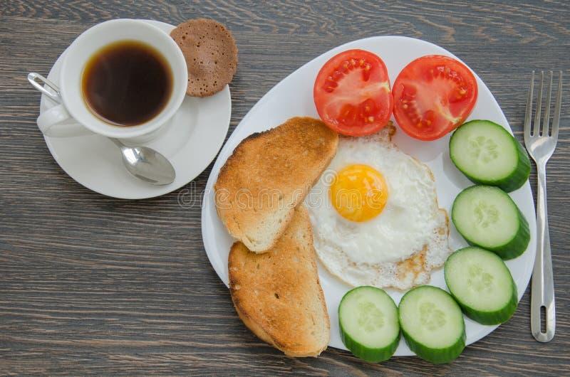 Download śniadanie obraz stock. Obraz złożonej z pokrojony, śniadanie - 53789217