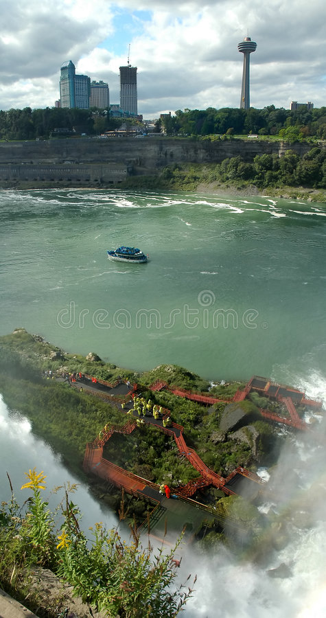 Download Niagara Falls fotografia stock. Immagine di canada, acqua - 7324000