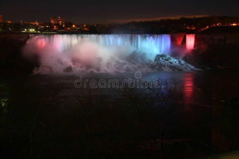 Niagara Falls alla notte fotografia stock