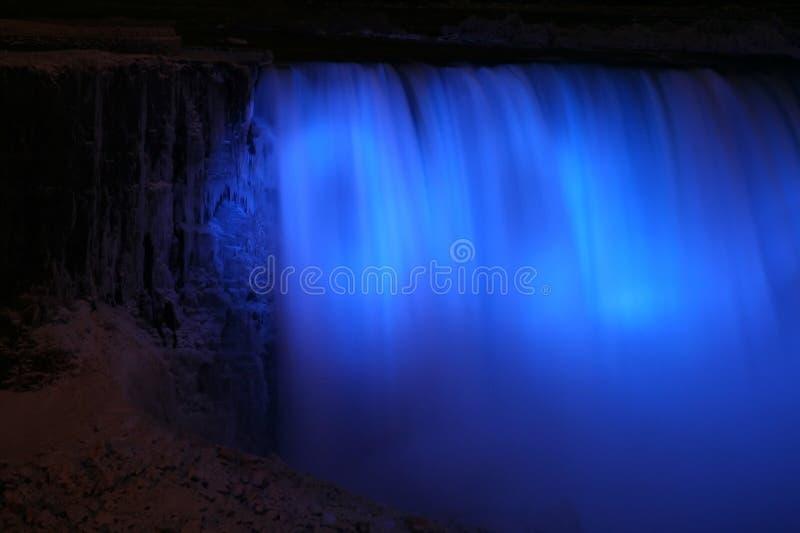 Niagara Falls alla notte con gli indicatori luminosi fotografia stock