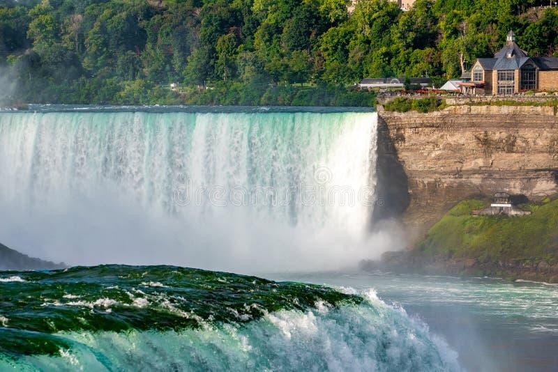 Niagara Falls on America Side am Morgen mit klarem Himmel , Buffalo , Vereinigte Staaten von Amerika lizenzfreies stockfoto