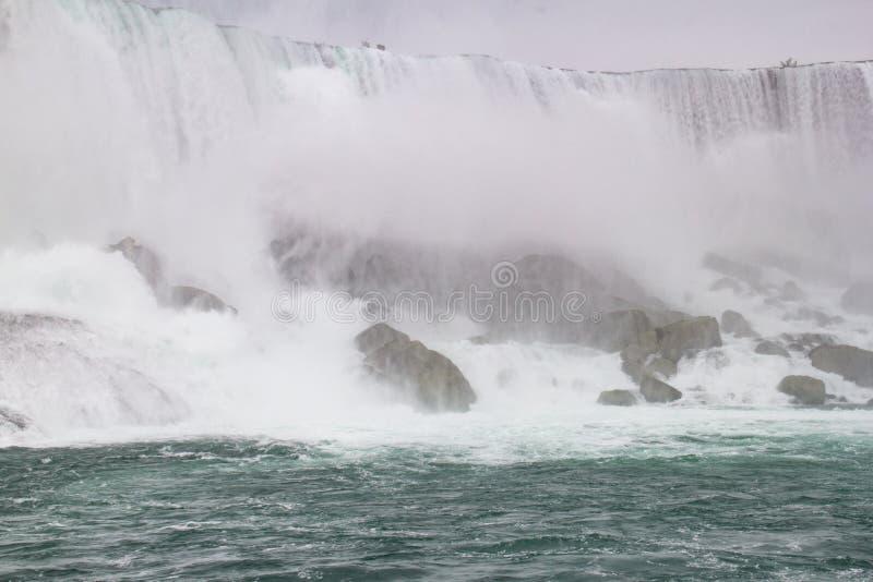 Niagara Falls amerikanen faller closeupen fotografering för bildbyråer