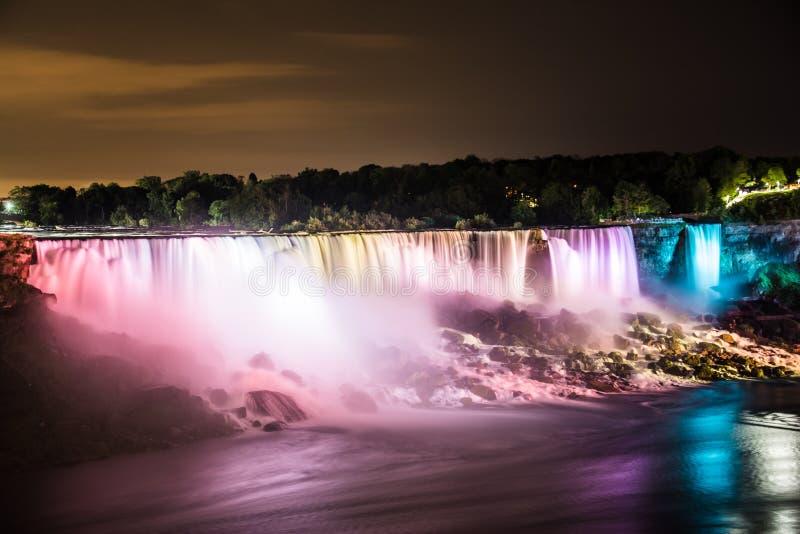 Niagara Falls bij Nacht royalty-vrije stock foto
