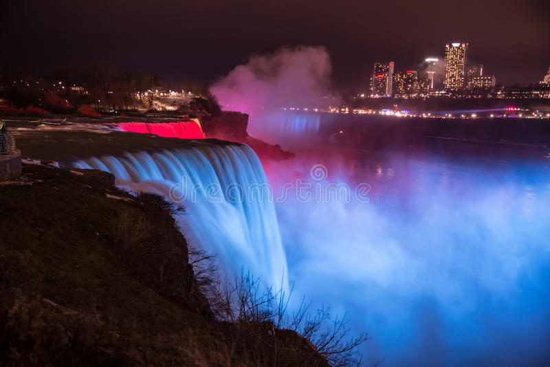 Niagara Falls bij Nacht royalty-vrije stock foto's