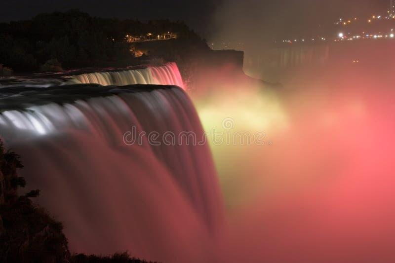 Niagara Falls bis zum Night lizenzfreie stockfotografie