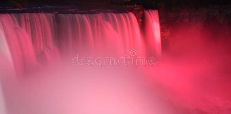 Niagara Falls dans le rose images libres de droits