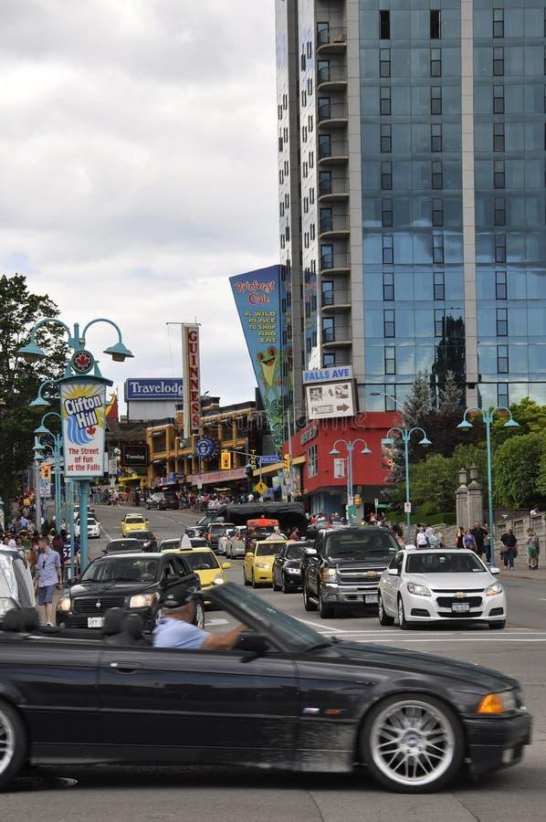 Niagara Falls, el 24 de junio: Clifton Hill Entertainment Area de Niagara Falls en la provincia de Ontario de Canadá imágenes de archivo libres de regalías