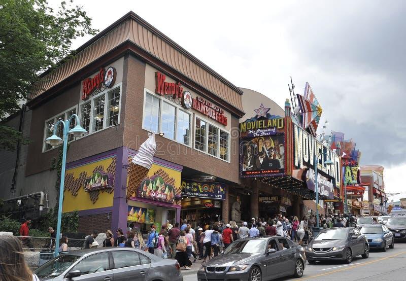 Niagara Falls, el 24 de junio: Clifton Hill Entertainment Area de Niagara Falls en la provincia de Ontario de Canadá fotografía de archivo