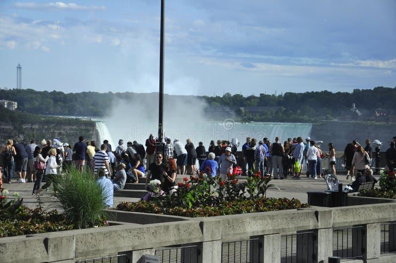 Niagara Falls, el 24 de junio: Lugar magnífico de la visión de Niagara Falls de la provincia de Ontario de Canadá imágenes de archivo libres de regalías