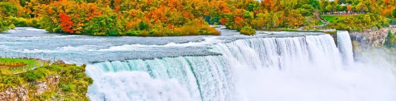 Niagara Falls im Herbst lizenzfreies stockbild
