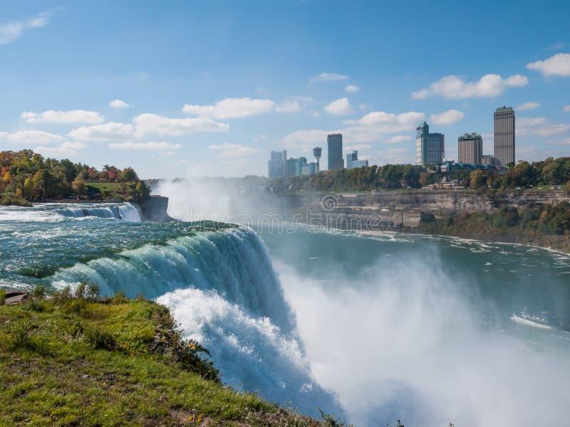 Niagara Falls im Herbst, USA stockfotos