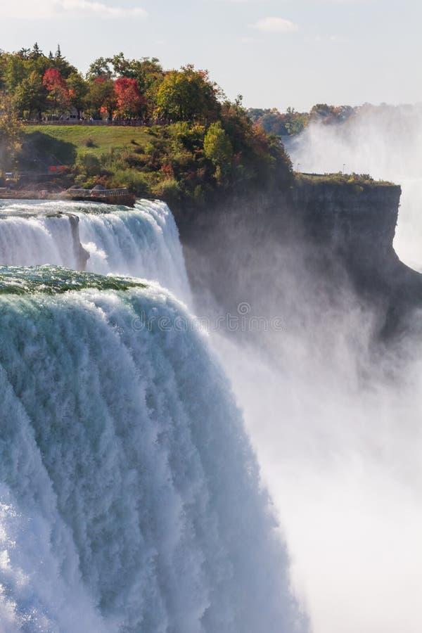 Niagara Falls im Herbst, USA lizenzfreie stockfotos