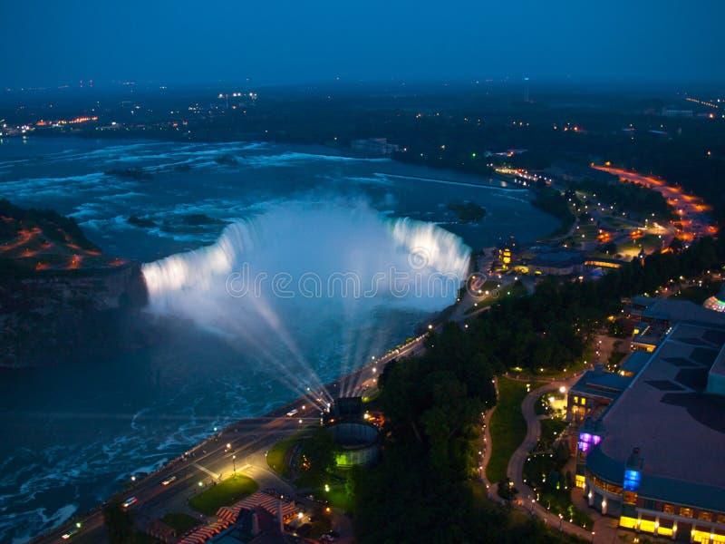 Niagara Falls la nuit photo stock