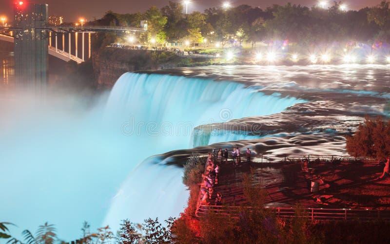 Niagara Falls na noite fotografia de stock royalty free