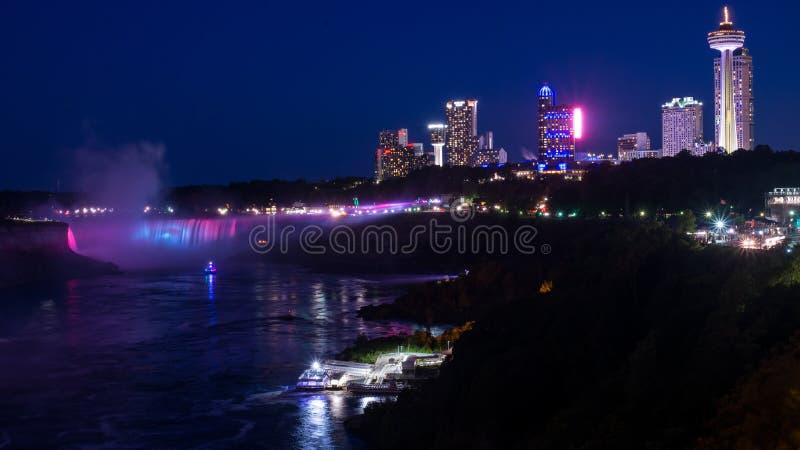 Niagara Falls na noite fotografia de stock