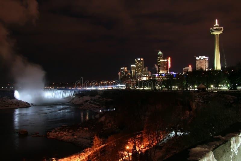 Niagara Falls - noite da cidade imagens de stock royalty free