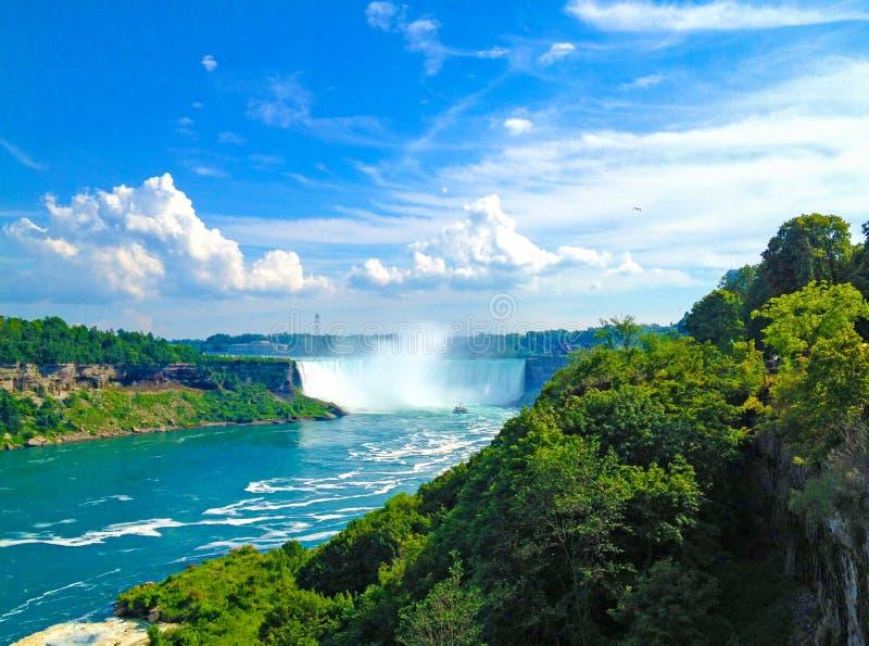 Niagara Falls, vista de Canadá imagens de stock