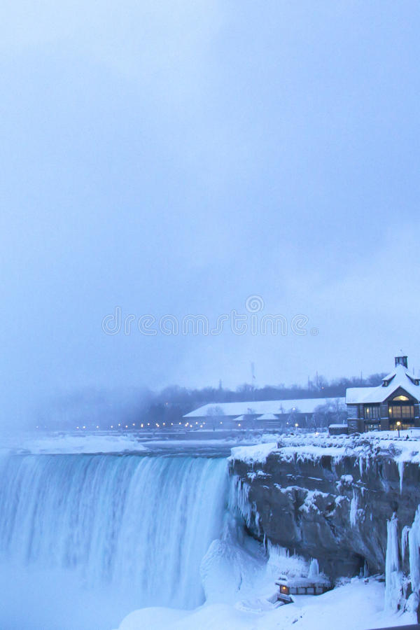 Free Niagara Falls Welcome Center And Under The Falls Stock Photography - 50832592