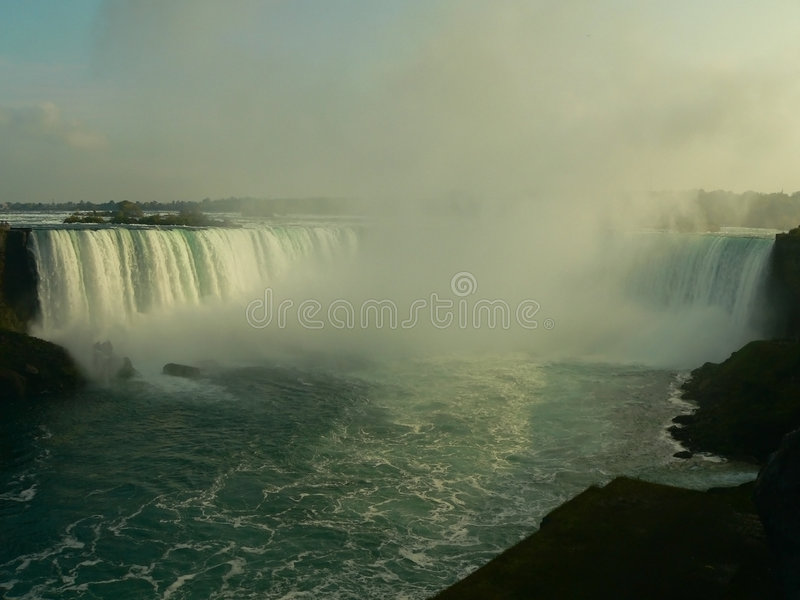 Niagara- Fallspanorama I Stockbilder