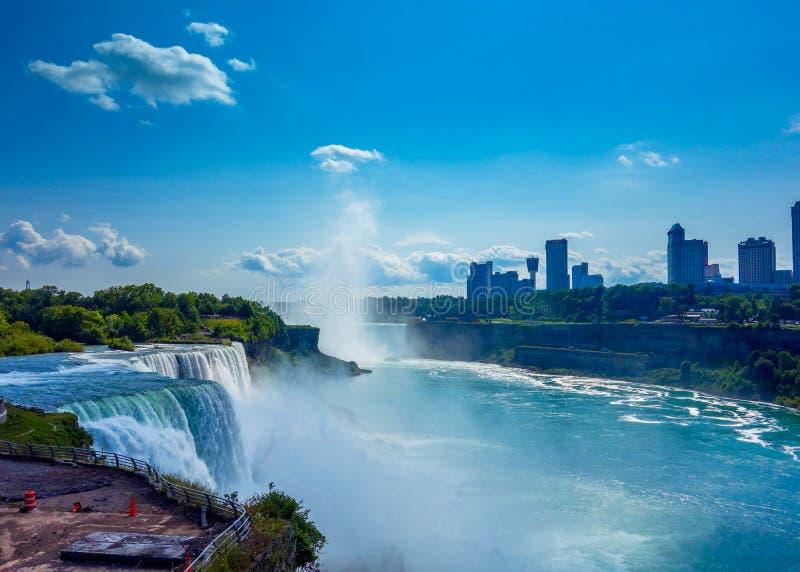 Niagara miasto i spadki zdjęcie royalty free