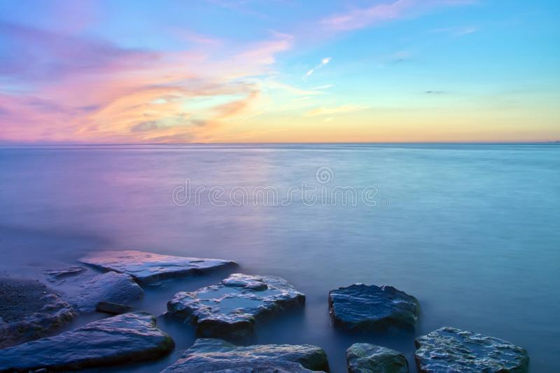 Niagara no lago durante o por do sol fotos de stock royalty free
