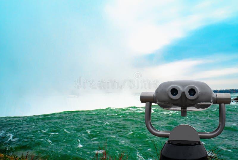 Niagara spada między Stany Zjednoczone Ameryka i Kanada obrazy royalty free