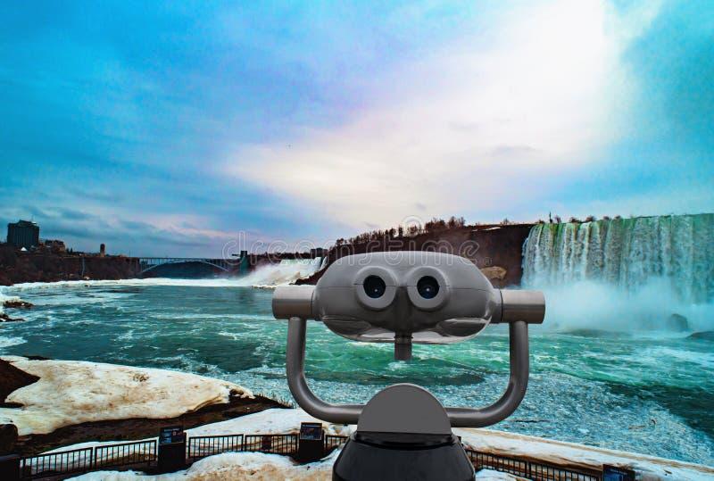 Niagaradalingen tussen de Verenigde Staten van Amerika en Canada stock foto's