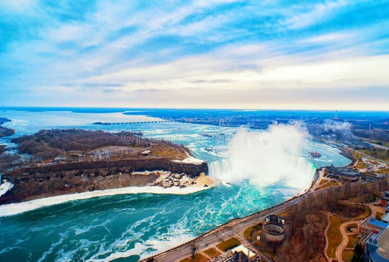 Niagaradalingen tussen de Verenigde Staten van Amerika en Canada royalty-vrije stock afbeelding