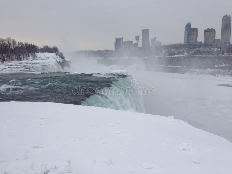 Niagra baja invierno foto de archivo