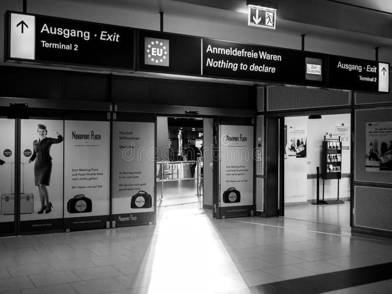 Nic oznajmiać wyjście przy lotniskiem fotografia stock