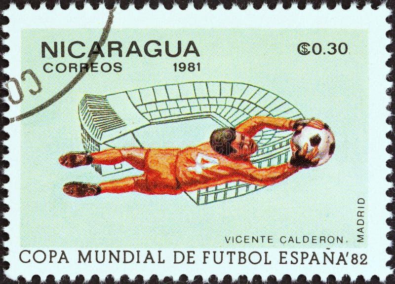 NICARAGUA - CIRCA 1981: Un sello impreso en las demostraciones Vicente Calderon, Madrid de Nicaragua, circa 1981 foto de archivo libre de regalías