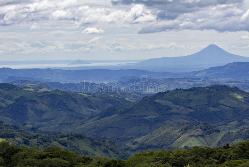 Nicaraguan landschap met vulkaan royalty-vrije stock fotografie