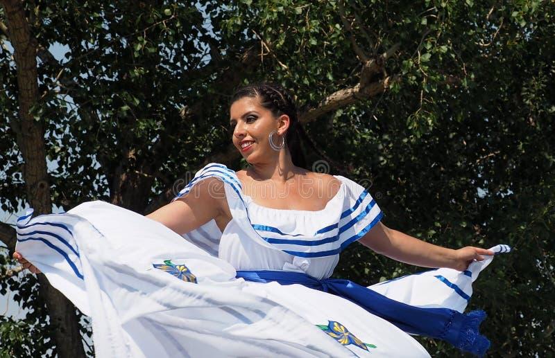 Nicaraguan Vrouw in Traditionele Kleding royalty-vrije stock foto