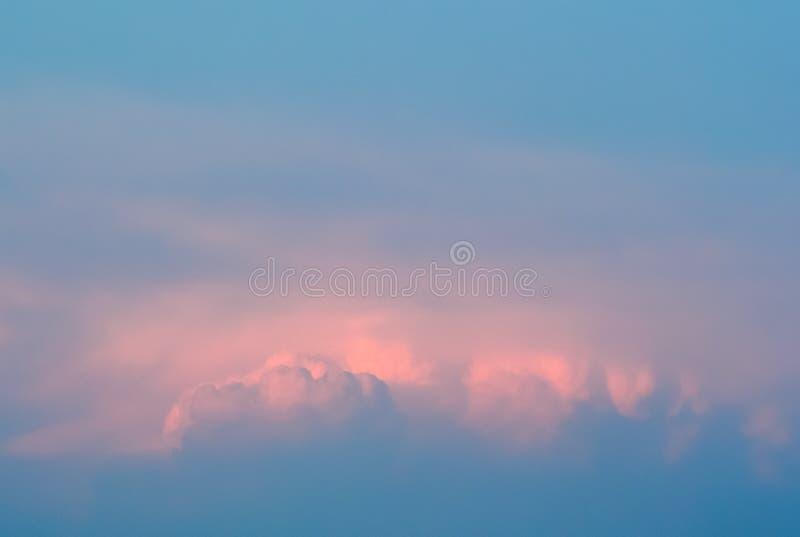 Nice en zachte kleurrijke wolken stock afbeelding