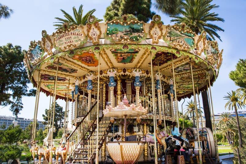 Nice, Frankrijk Vrolijk ga rond royalty-vrije stock foto's