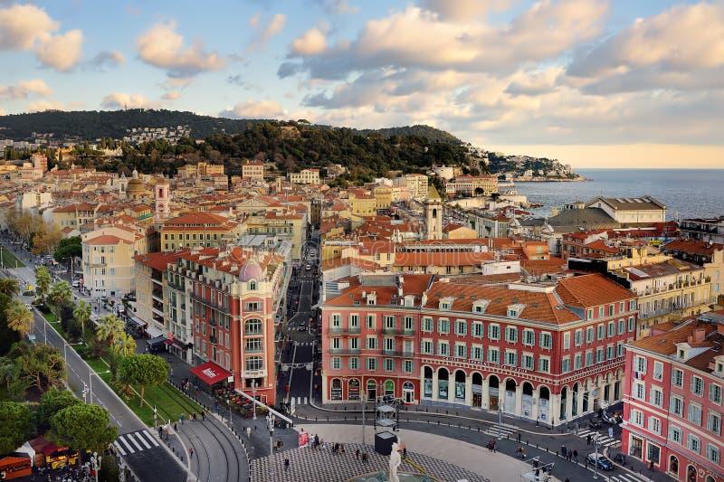 NICE FRANKRIKE - DECEMBER 14 2018: Flyg- sikt av den ställeMassena fyrkanten i Nice, Frankrike royaltyfria foton
