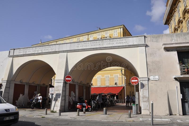 Nice, 5 september: Charles Felix Pathway vanuit de Oude stad Nice plaatsen stock afbeeldingen
