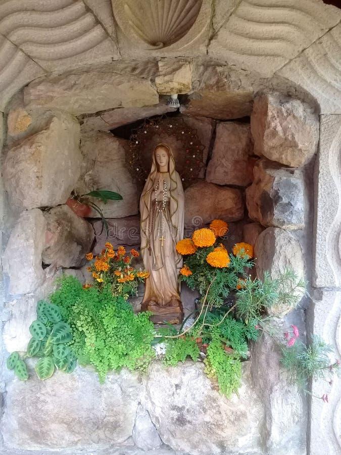 Niche dedicado à Virgem Maria em Carmel Maranatha em Valle de Bravo fotos de stock royalty free