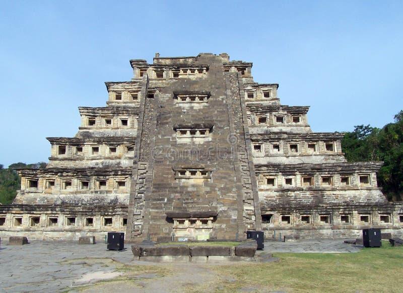 niches pyramiden arkivbild